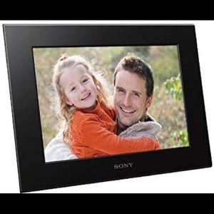 New SONY Digital Photo Frame